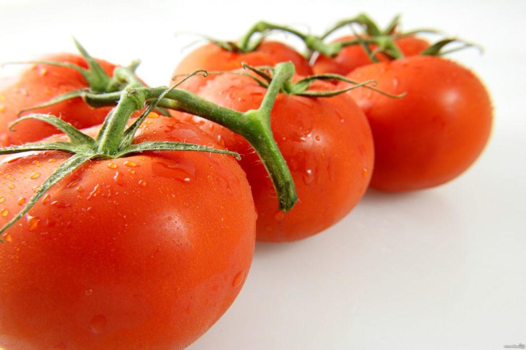 گوجه فرنگی در گلخانه ای